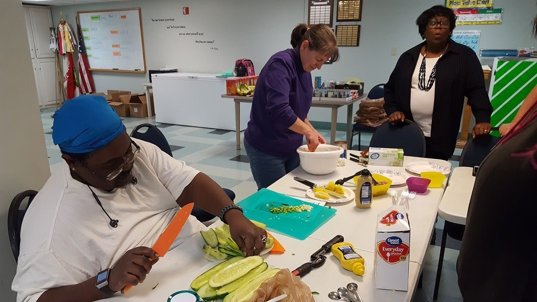 Head Start parents participate in cooking skills series